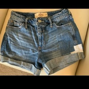 Hollister boyfriend short
